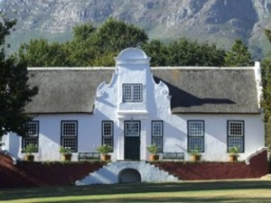 Peninsula cape dutch houses best cape dutch architecture for Farmhouse interior design characteristics